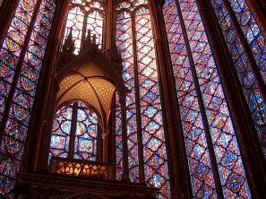 Light-filled gothic